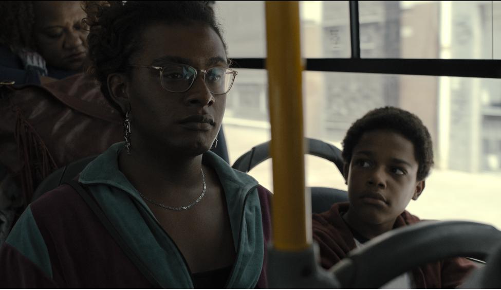 Manhãs de Setembro estreia na Prime Video com Liniker no papel da protagonista Cassandra, contruindo uma relação com o filho recém-descoberto. Veja!